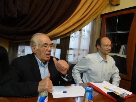 Hassan Abdel Azim (r), chairman National Co-ordination Body (NCB)