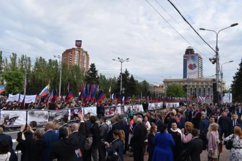 Putin's promiss: Russian passports
