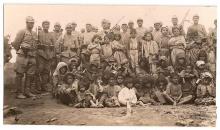 Türkische Soldaten mit Gefangenen des Dersim-Aufstandes 1938